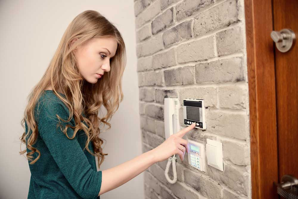 adjusting programmable thermostat